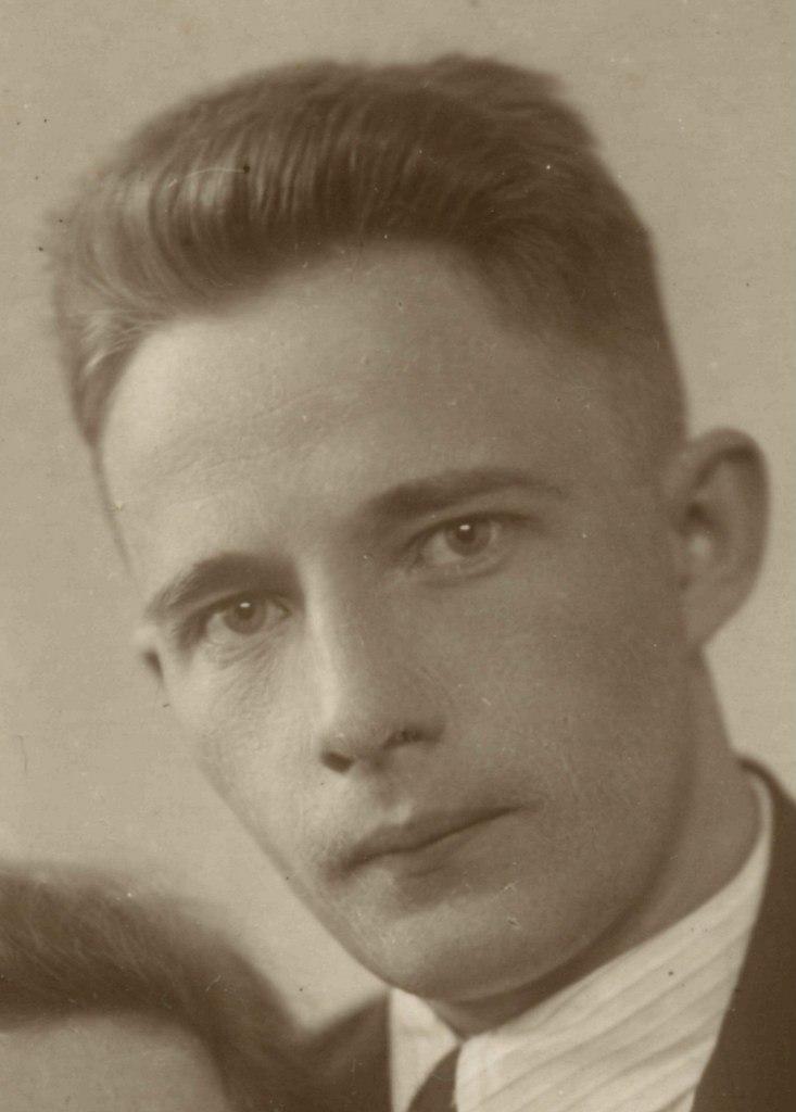 Александр Михайлович МаковееВ