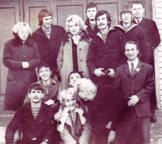 Коллектив КРАБа. Беломорск.1975 г. Фото из личного архива Н. Дроздовой