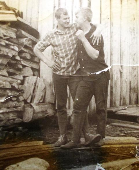 Владимир  Короткий и Валерий Гридин. Маслозеро. 1966 г.