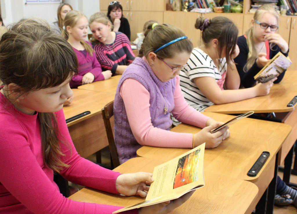 Творческая встреча В. Кобоева с учащимися Петроз. детской школы искусств. 28 мая 2014 г. Фото М. Июдиной (10)