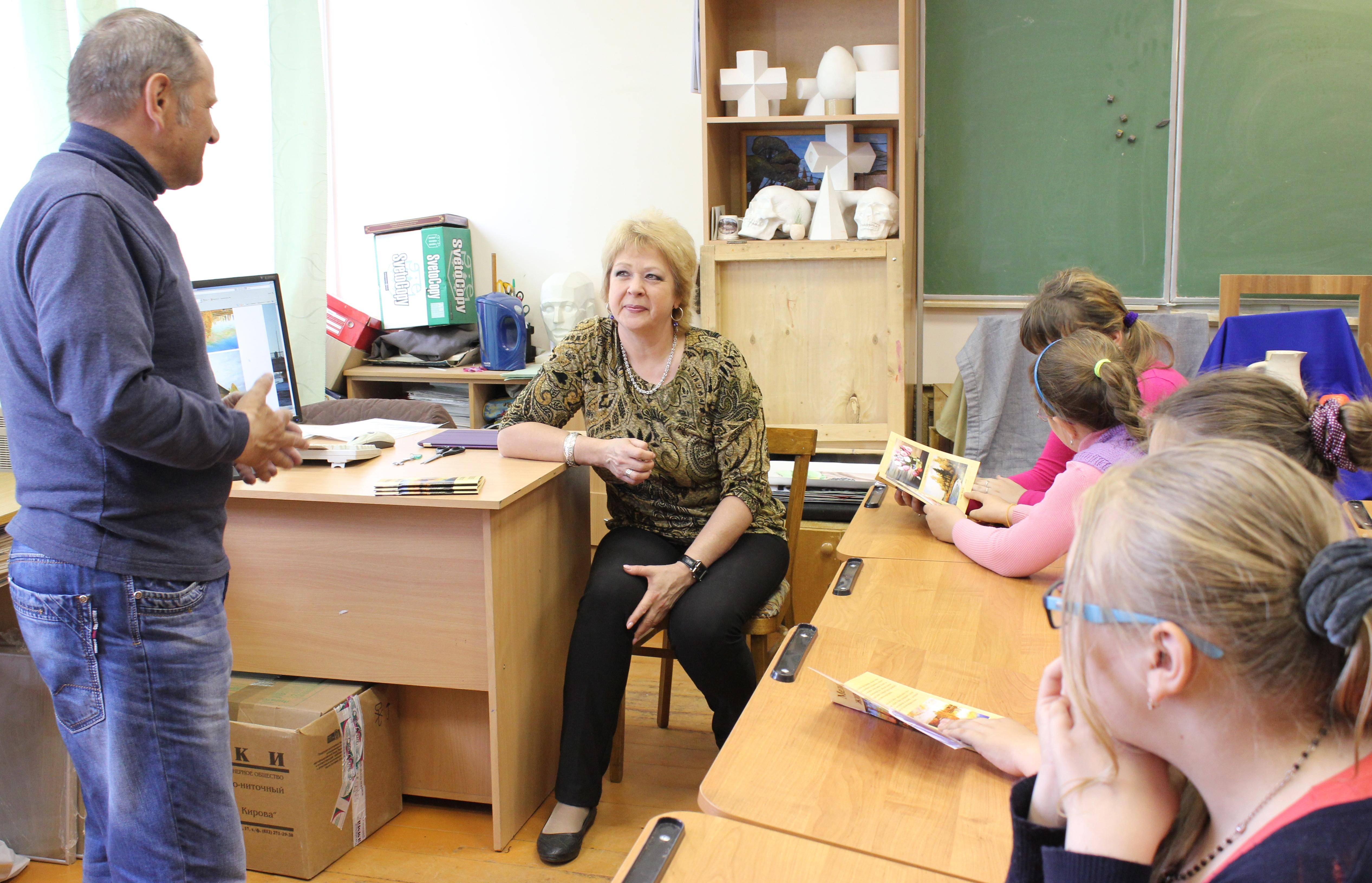 Творческая встреча В. Кобоева с учащимися Петроз. детской школы искусств. 28 мая 2014 г. Фото М. Июдиной