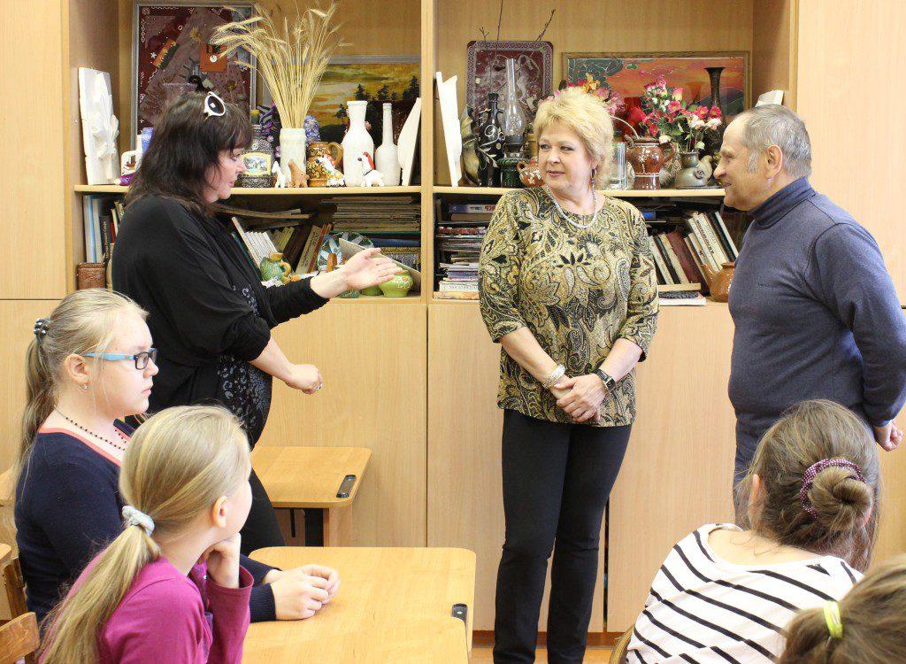 Творческая встреча В. Кобоева с учащимися Петроз. детской школы искусств. 28 мая 2014 г. Фото М. Июдиной (2)