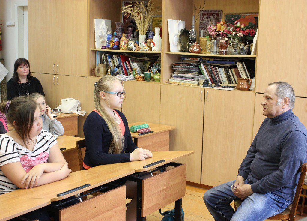 Творческая встреча В. Кобоева с учащимися Петроз. детской школы искусств. 28 мая 2014 г. Фото М. Июдиной (6)