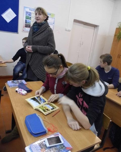 Встреча с художником Владимиром Кобоевым. 11 декабря 2014 г. П. Летнереченский. Фото В. Ивановой