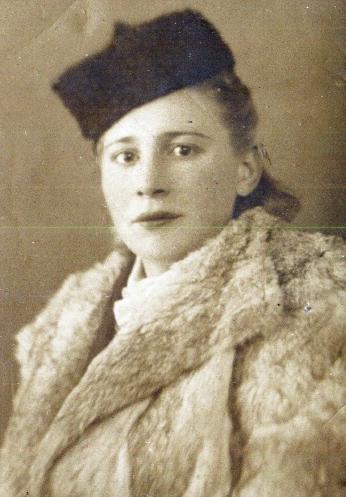 Тамара Ивановна Краснобаева. Петрозаводск. 1950-е годы. Из личного архива Е. Кулиевой. Опубликовано в
