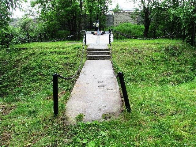 """Теперь участникам проекта """"Беломорский гид"""" можно проводить экскурсии к памятнику."""