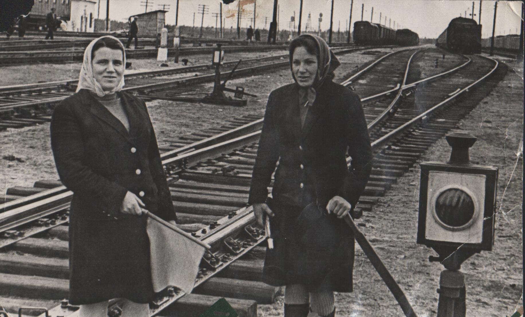 Слева направо: Валентина Ивановна Федорова, Анна Алексеевна Горбачева. 10-й пост. 1970-е гг.