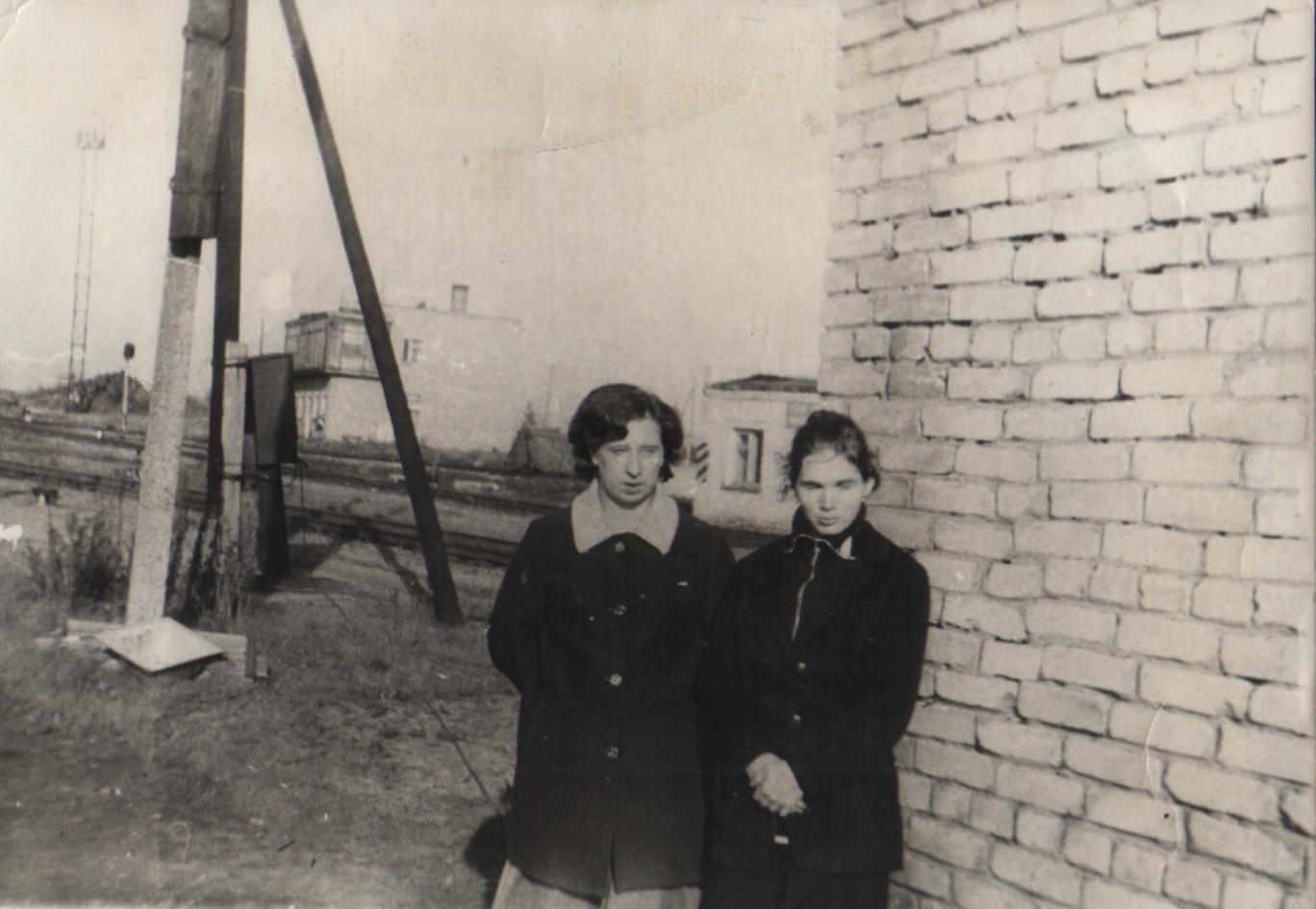 Приемосдатчики северного парка ст. Беломорск Т. А. Короткова и Е. А. Сорокина. 1980-е гг.