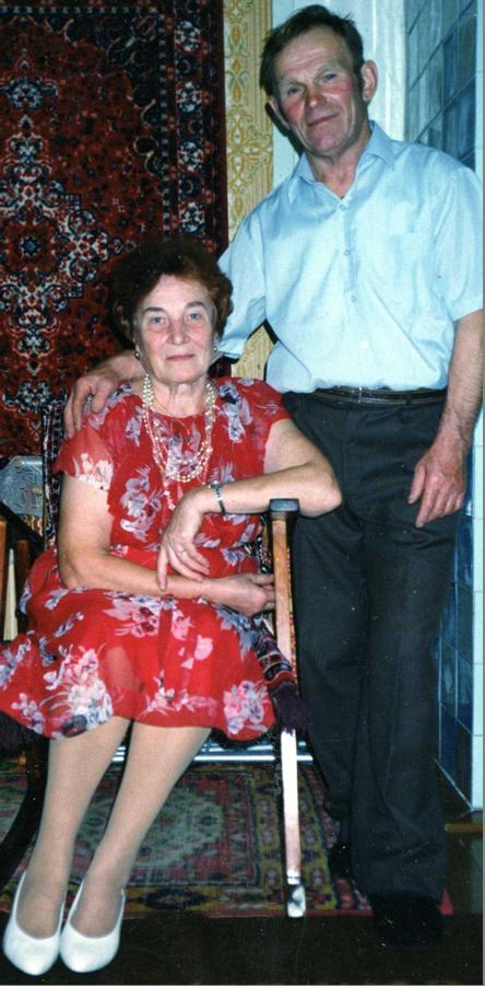 Н. И. Кривотулов с женой Валентиной Александровной. Золотая свадьба.  8 октября 2007 г.