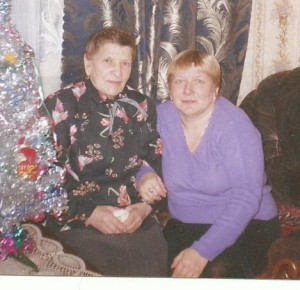 Анна с мамой