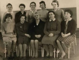 Первый учительский коллектив Золотецкой школы. Фото из семейного архива В. И. Тупицыной