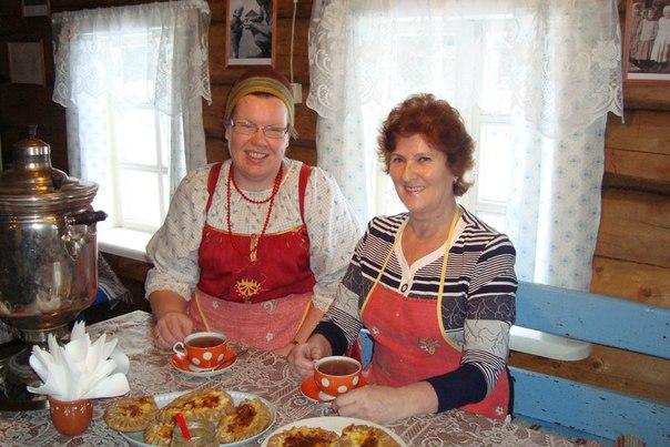 Татьяна Васильевна Каньшиева (справа)