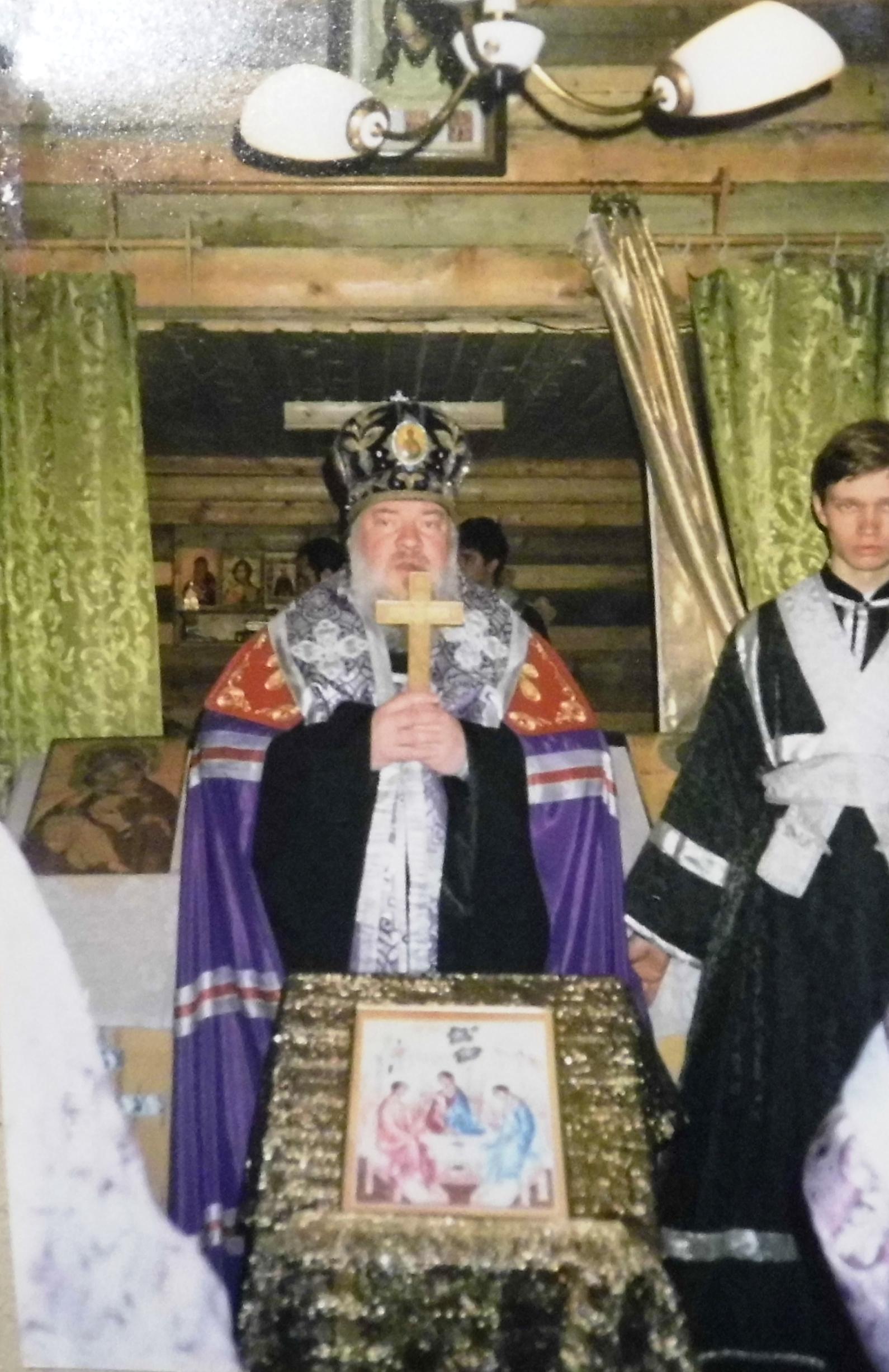Малое Освещение храма епископом Карельским Мануилом. 30 марта 1999 г.