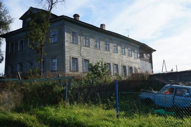 В селе сохранились двухэтажные дома. Шуерецкое. 10 августа 2016 г. Фото С. Кошкиной